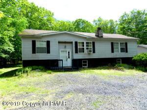 1067 E Deer Run, Bushkill, PA 18324