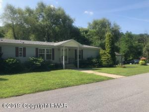 1268 Blue Mountain Cir, Saylorsburg, PA 18353