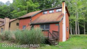 209 Wyalusing Dr, Pocono Lake, PA 18347