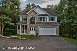 389 Rolling Hills Dr, East Stroudsburg, PA 18302