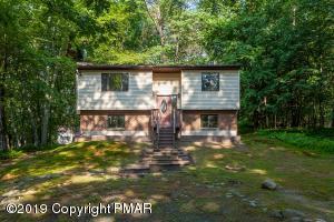 230 Chipmunk Rd, Bushkill, PA 18324