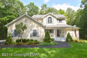 221 Pin Oak Rd, Stroudsburg, PA 18360