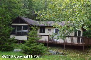 127 Wyalusing Dr, Pocono Lake, PA 18347