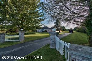 1045 Trachsville Hill Rd, Kunkletown, PA 18058