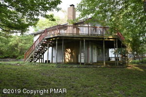 104 Island Dr, Long Pond, PA 18334