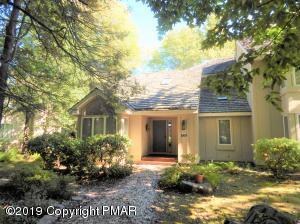 438 S WOODS LAKE LN, Pocono Pines, PA 18350