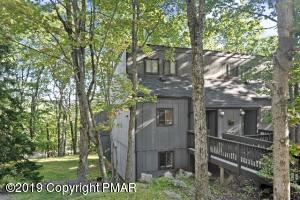 72 Cross Country Ln, Tannersville, PA 18372