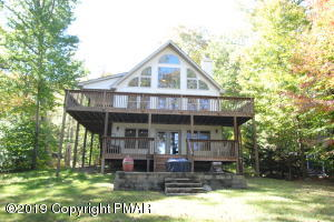1103 Arrowhead Dr, Pocono Lake, PA 18347