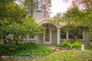 5149 Woodland Ave, Pocono Pines, PA 18350