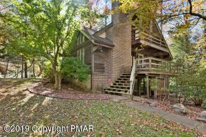 3139 Old Lake Ave, Pocono Pines, PA 18350