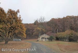 106 Grain Ln, East Stroudsburg, PA 18301