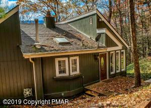211 Cobble Creek Dr, Tannersville, PA 18372