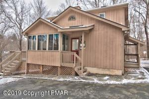 4103 Firefly Ct, Pocono Lake, PA 18347