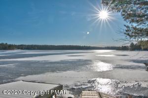 A Platinum Lake Naomi Lakefront