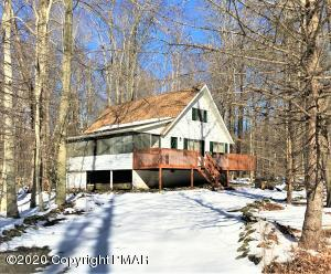205 Croasdale Ct, Pocono Lake, PA 18347