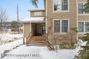 487 Spruce Dr, Tannersville, PA 18372