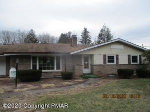 32 W Butler Dr, Drums, PA 18222