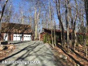 802 Cottonwood Ct, Lords Valley, PA 18428