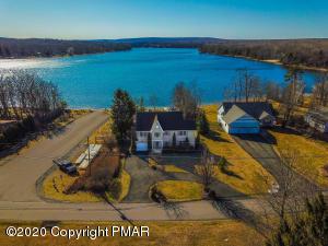 275 Bear Creek Lake Dr, Jim Thorpe, PA 18229
