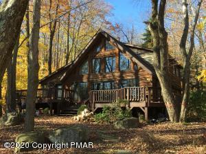 106 Lake Drive West, Gouldsboro, PA 18424