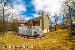 129 Sandstone Dr, Dingmans Ferry, PA 18328