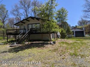 157 Gap View Cir, Bushkill, PA 18324