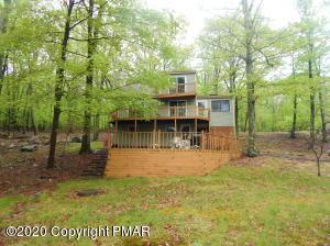 2180 Meadowlark Cir, Bushkill, PA 18324