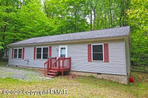 108 Hopi Ct, Pocono Lake, PA 18347