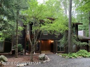 2424 Overlook Ln, Pocono Pines, PA 18350