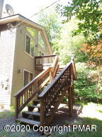 63 Wildflower Cir, Gouldsboro, PA 18424