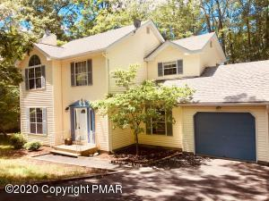 112 Plymouth Ct, Bushkill, PA 18324