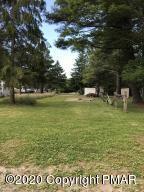 397 Campstead Cir, Pocono Lake, PA 18347