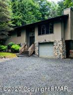 76 E Creek View Dr, Gouldsboro, PA 18424