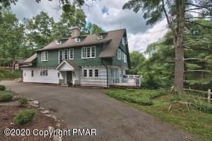 4128 VALLEY VIEW Rd, Buck Hill Falls, PA 18323