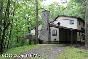 145 Berkshire Ct, Bushkill, PA 18324