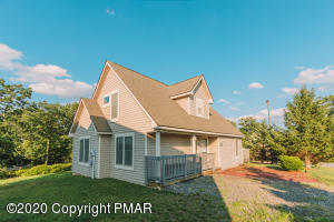212 Sycamore Ct, Tannersville, PA 18372