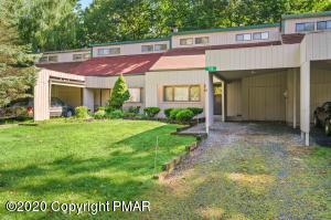 135 Ridge Dr, Tannersville, PA 18372