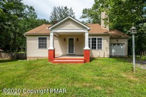 1368 Reish Rd, Stroudsburg, PA 18360