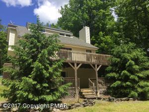104 Orchard Ln, Greentown, PA 18426