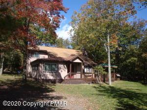131 Island Dr, Long Pond, PA 18334