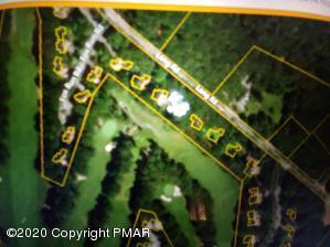 796 Long Road, Buck Hill Falls, PA 18323