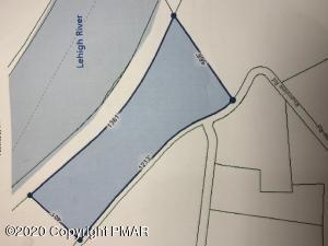5885 Riverview Rd, Slatington, PA 18080