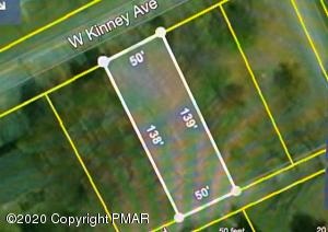 6 W Kinney Ave, Mount Pocono, PA 18344