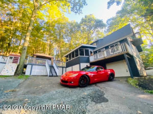 132 Lookout Dr, Hawley, PA 18428