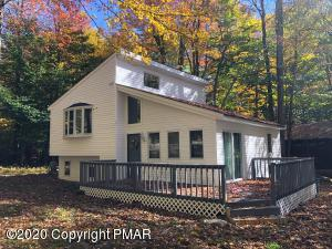 920 COUNTRY PL DR, Tobyhanna, PA 18466