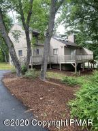 321 Clubhouse Dr, East Stroudsburg, PA 18302