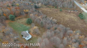 92 Valley View Dr, Newfoundland, PA 18445