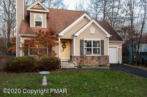 6105 Braintree Ct, Bushkill, PA 18324