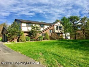 376 Clearview Dr, Long Pond, PA 18334