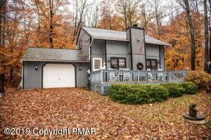 1468 Lake Ln, Pocono Lake, PA 18347